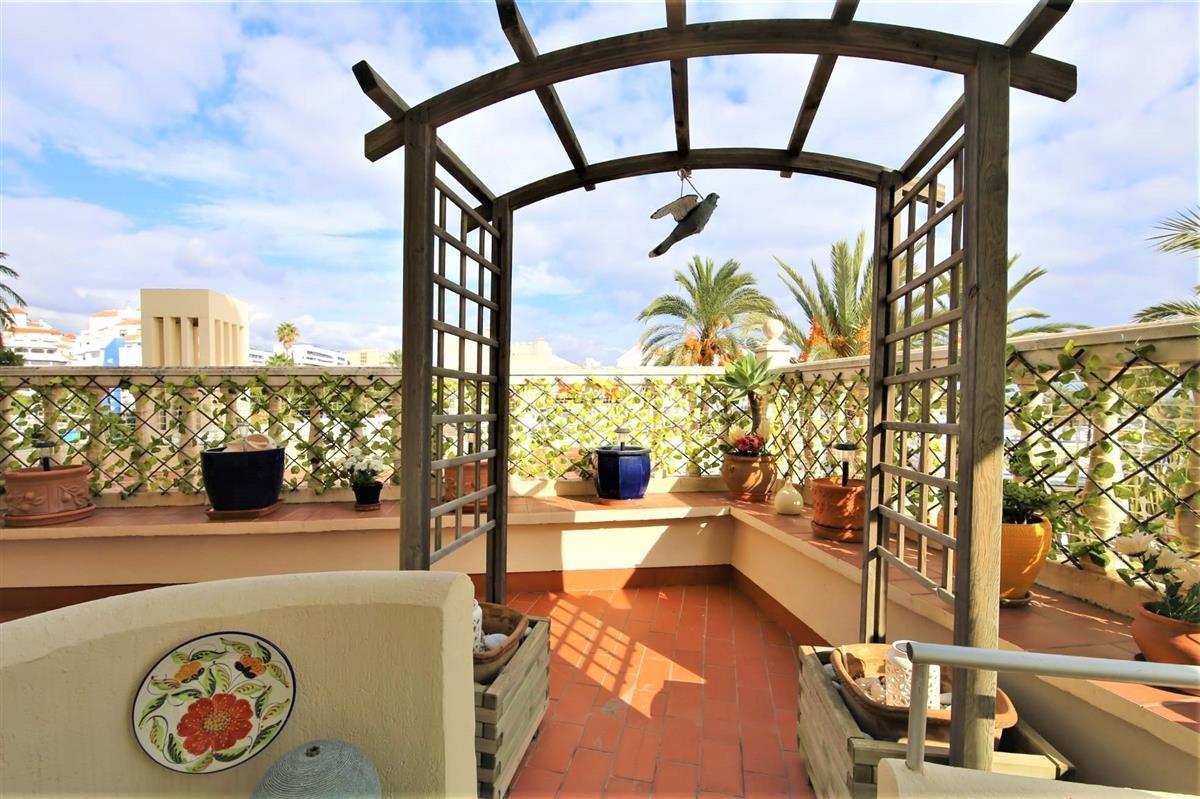 Apartment Ground Floor for sale in Estepona, Costa del Sol
