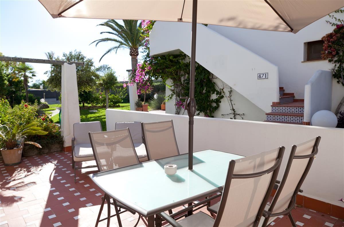 Apartament na parterze w Estepona R3403324