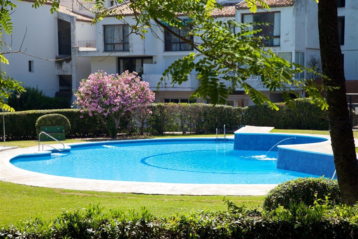 Apartment Middle Floor Estepona Málaga Costa del Sol R3328825
