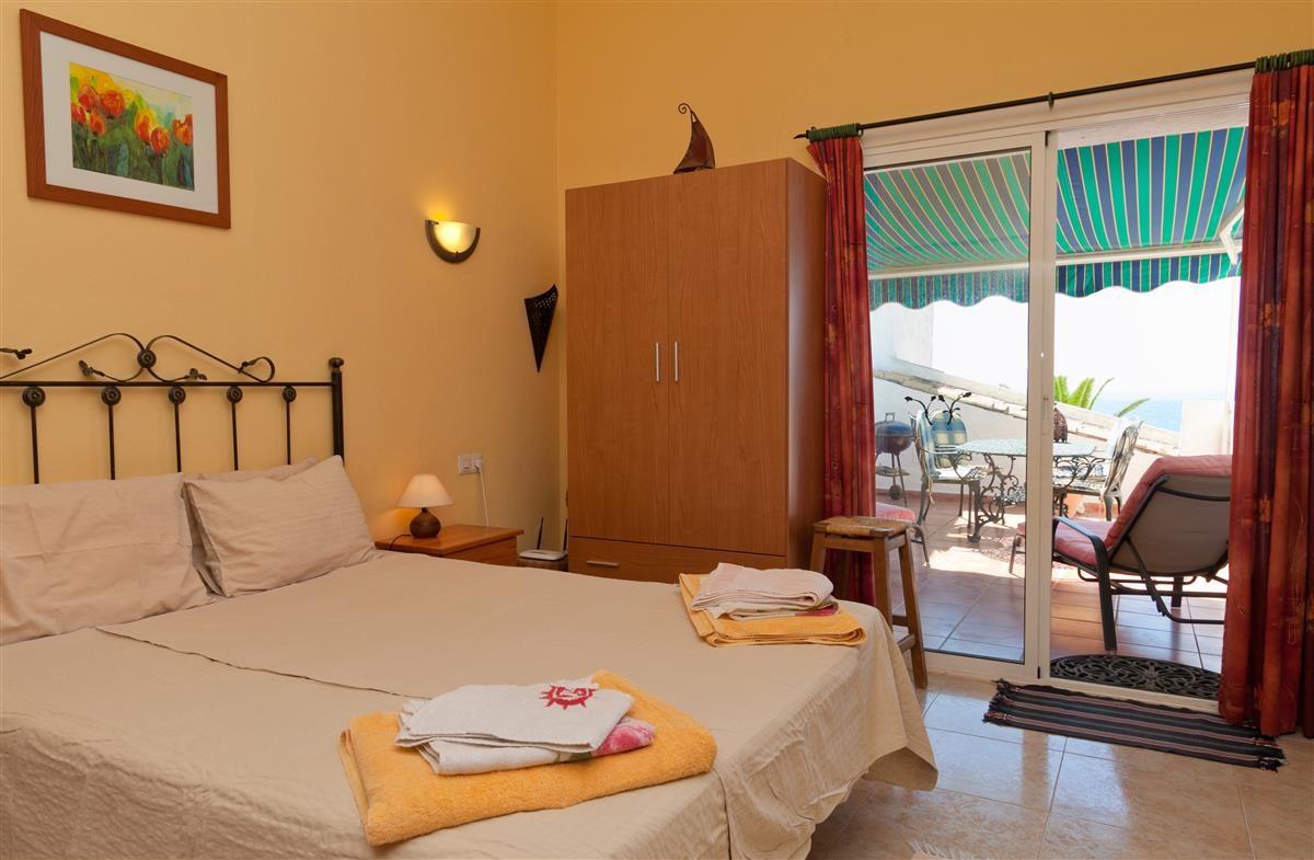 Apartment Middle Floor Estepona Málaga Costa del Sol R3328825 10