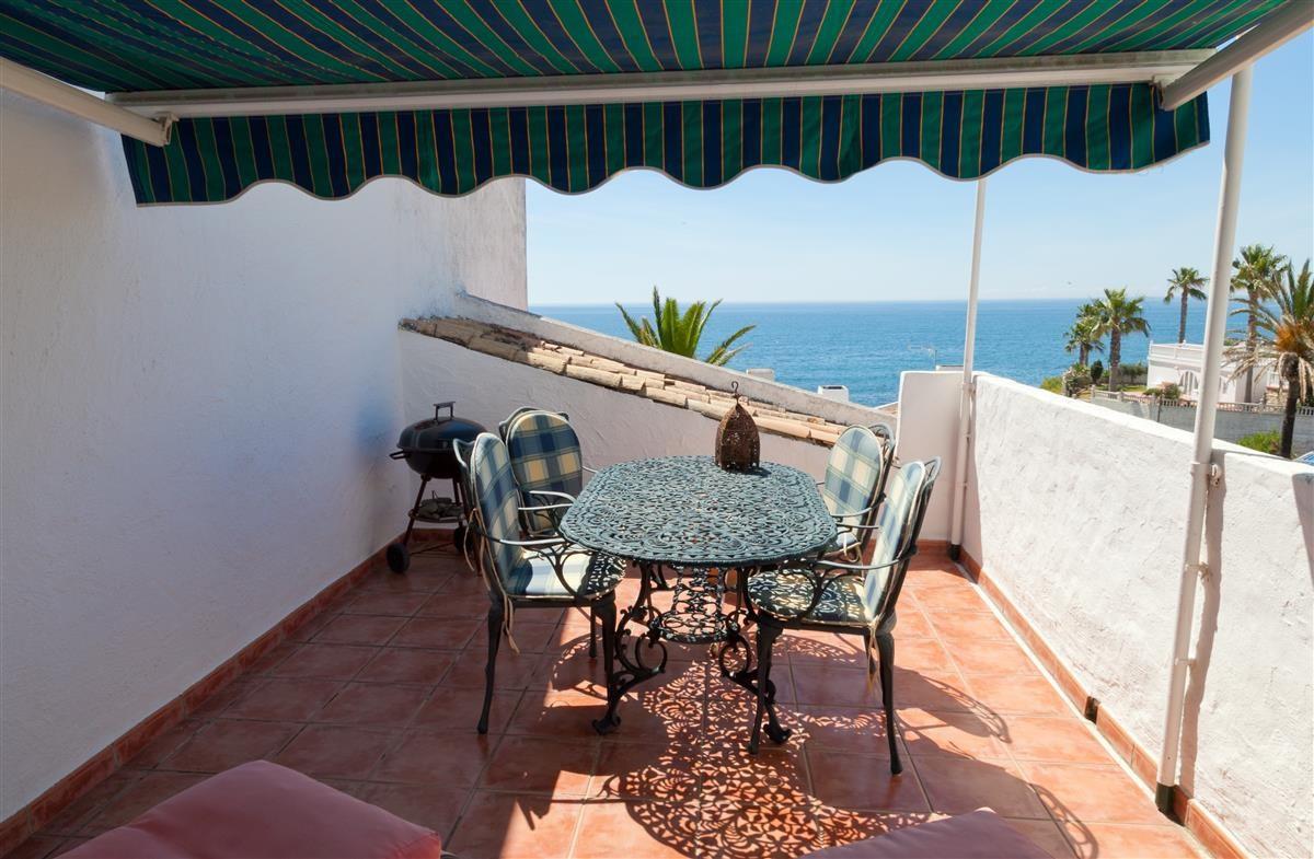 Apartment Middle Floor Estepona Málaga Costa del Sol R3328825 2