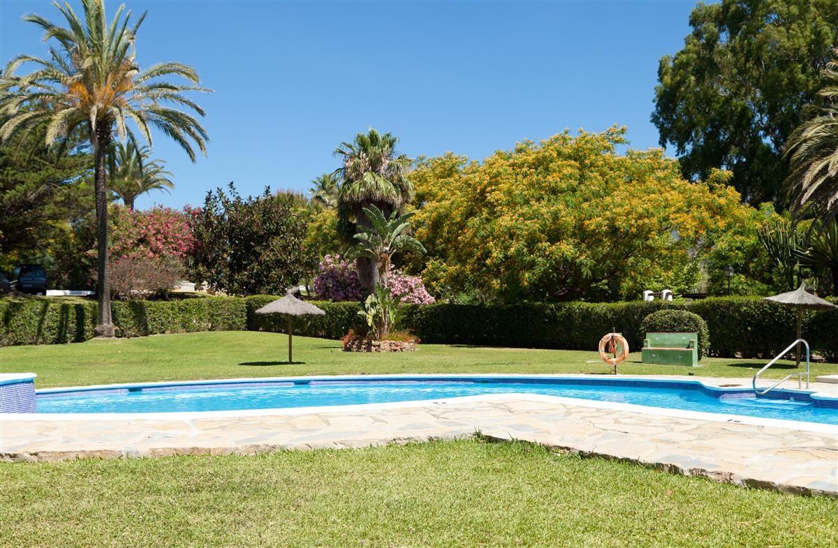 Apartment in Estepona R3328825 23