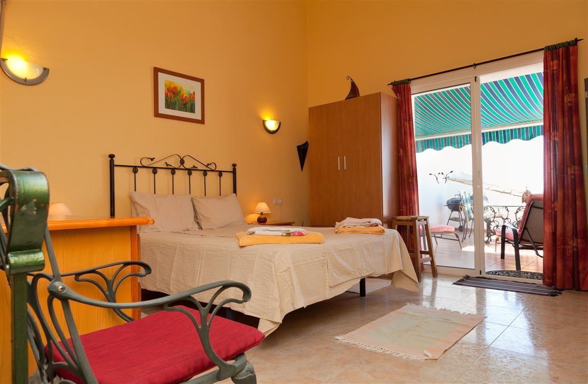Apartment Middle Floor Estepona Málaga Costa del Sol R3328825 3