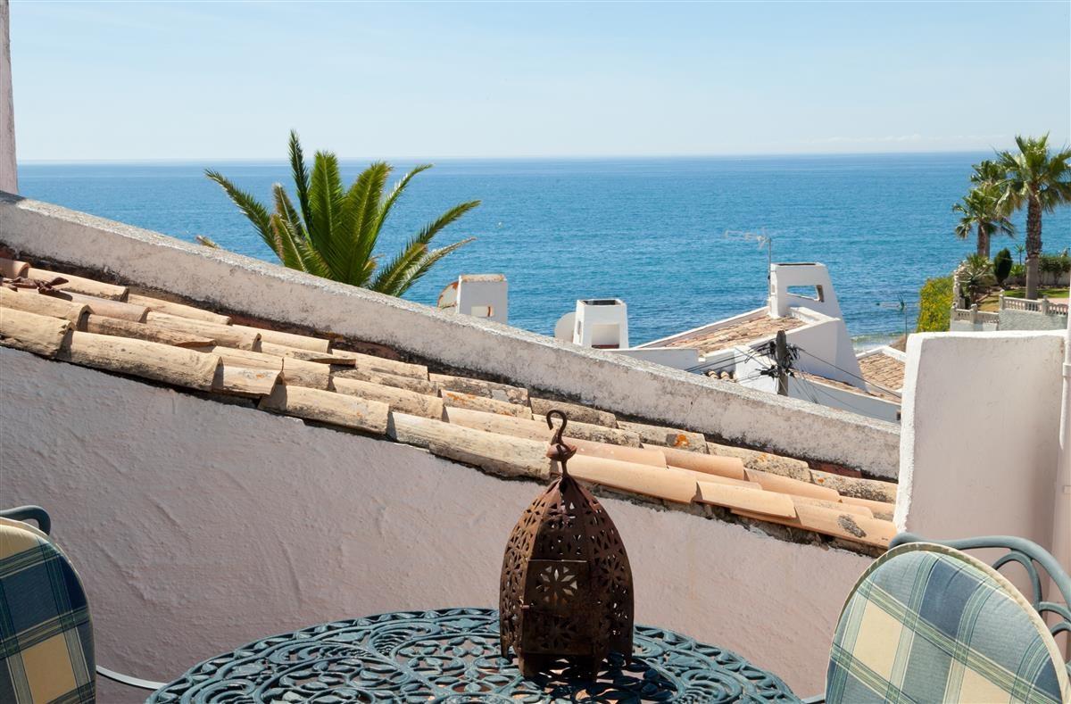 Apartment Middle Floor Estepona Málaga Costa del Sol R3328825 4