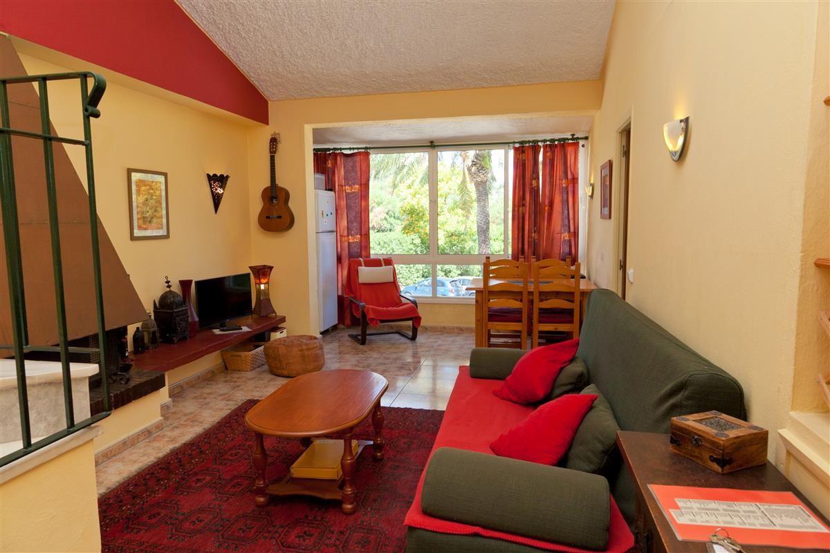 Apartment Middle Floor Estepona Málaga Costa del Sol R3328825 6
