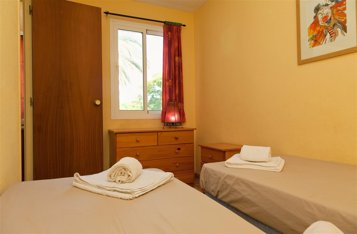 Apartment Middle Floor Estepona Málaga Costa del Sol R3328825 7