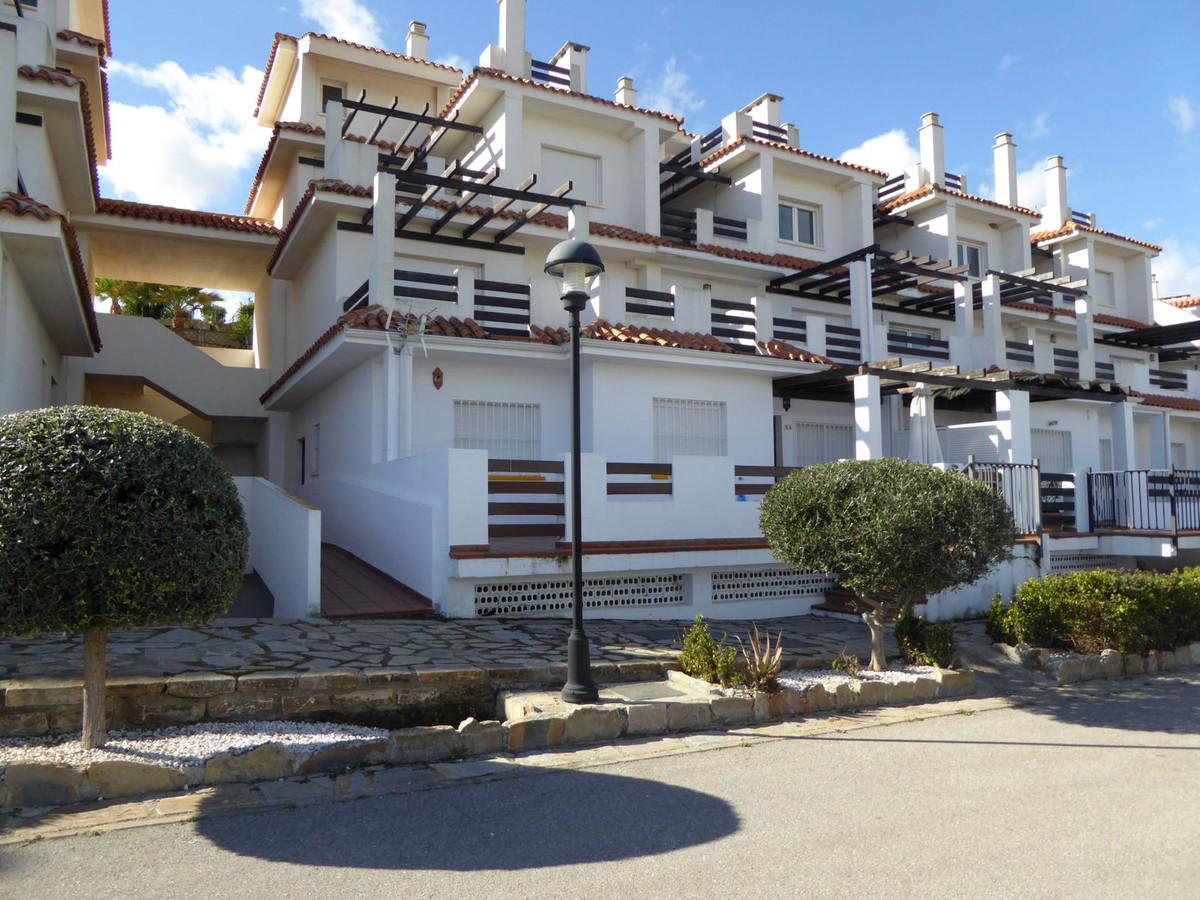 2 bed Apartment for sale in San Luis de Sabinillas