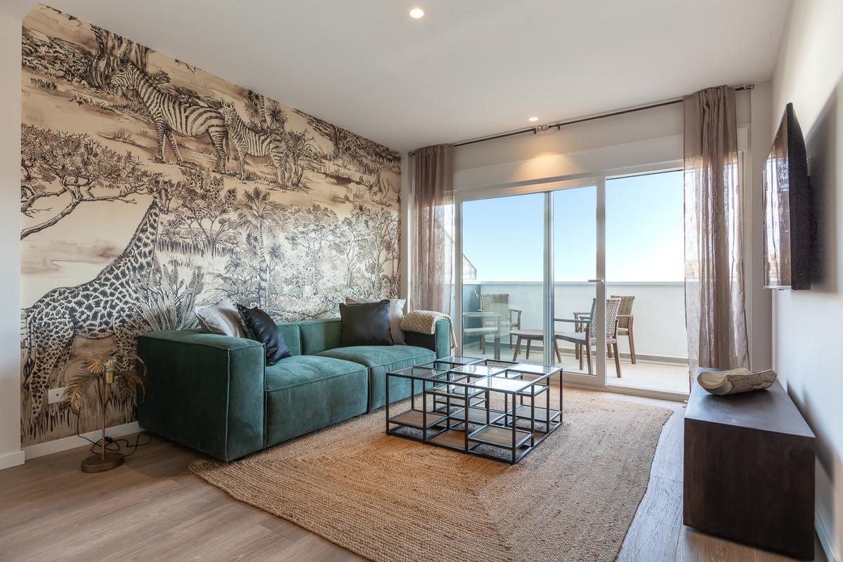 Apartment in Estepona R3308206 2