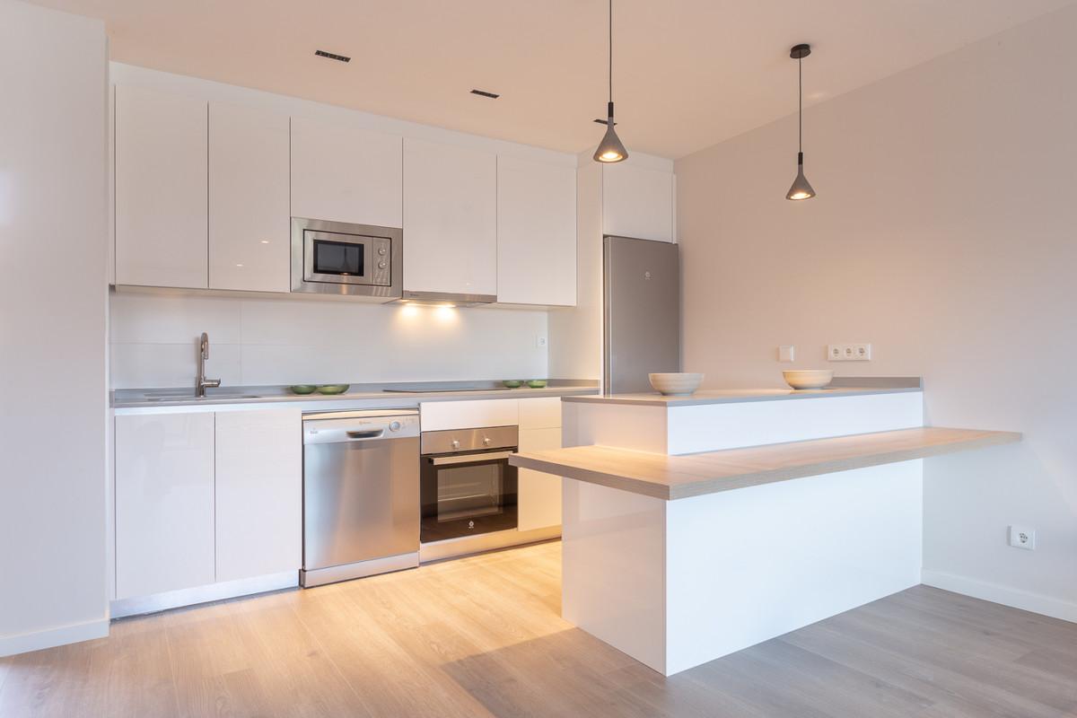 Apartment in Estepona R3308206 4