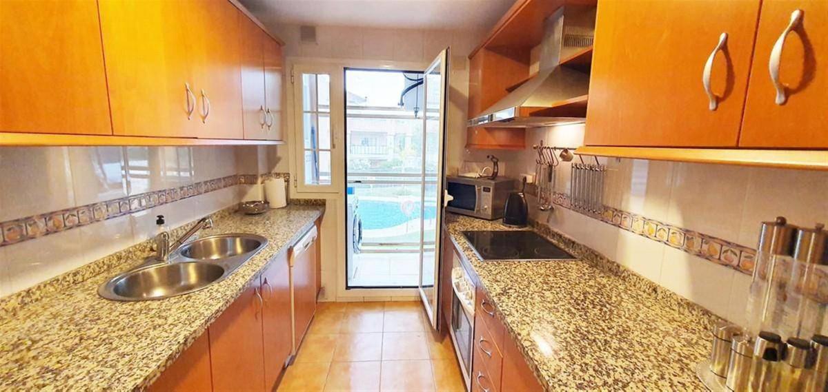 Apartment Middle Floor for sale in Las Chapas, Costa del Sol