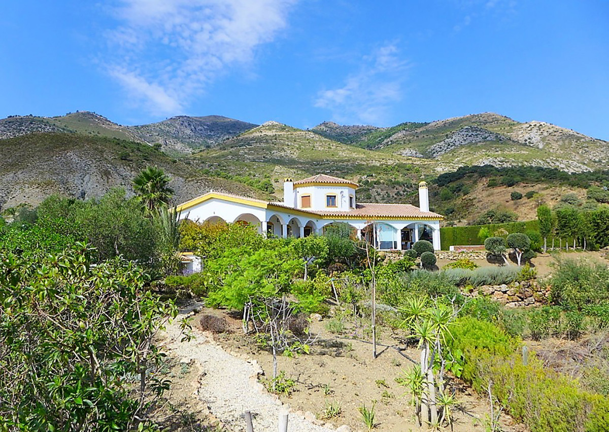 Fine country residence set on 18.700 sqm land with olive & fruit trees in an idyllic location wi,Spain