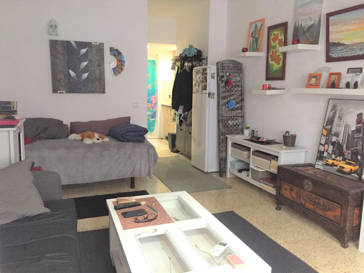 Middle Floor Studio, Torremolinos, Costa del Sol. 1 Bedroom, 1 Bathroom, Built 43 m2 STUDIO APARTMEN,Spain