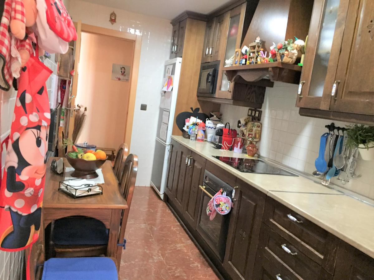 Middle Floor Apartment, Las Lagunas, Costa del Sol. 3 Bedrooms, 2 Bathrooms, Built 90 m2, Terrace 4 ,Spain