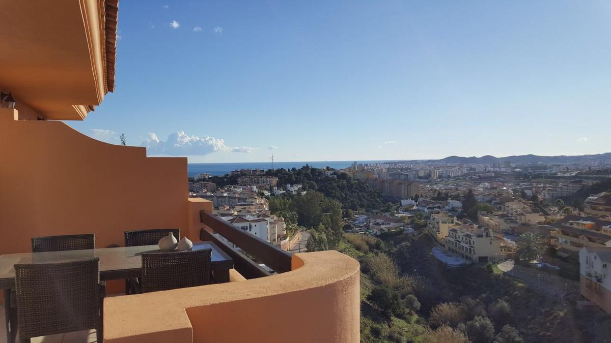 *SOLD*****VENDIDO* Beautiful Top Floor Apartment +roof top terrace in Los Pacos, Fuengirola. Open pa,Spain
