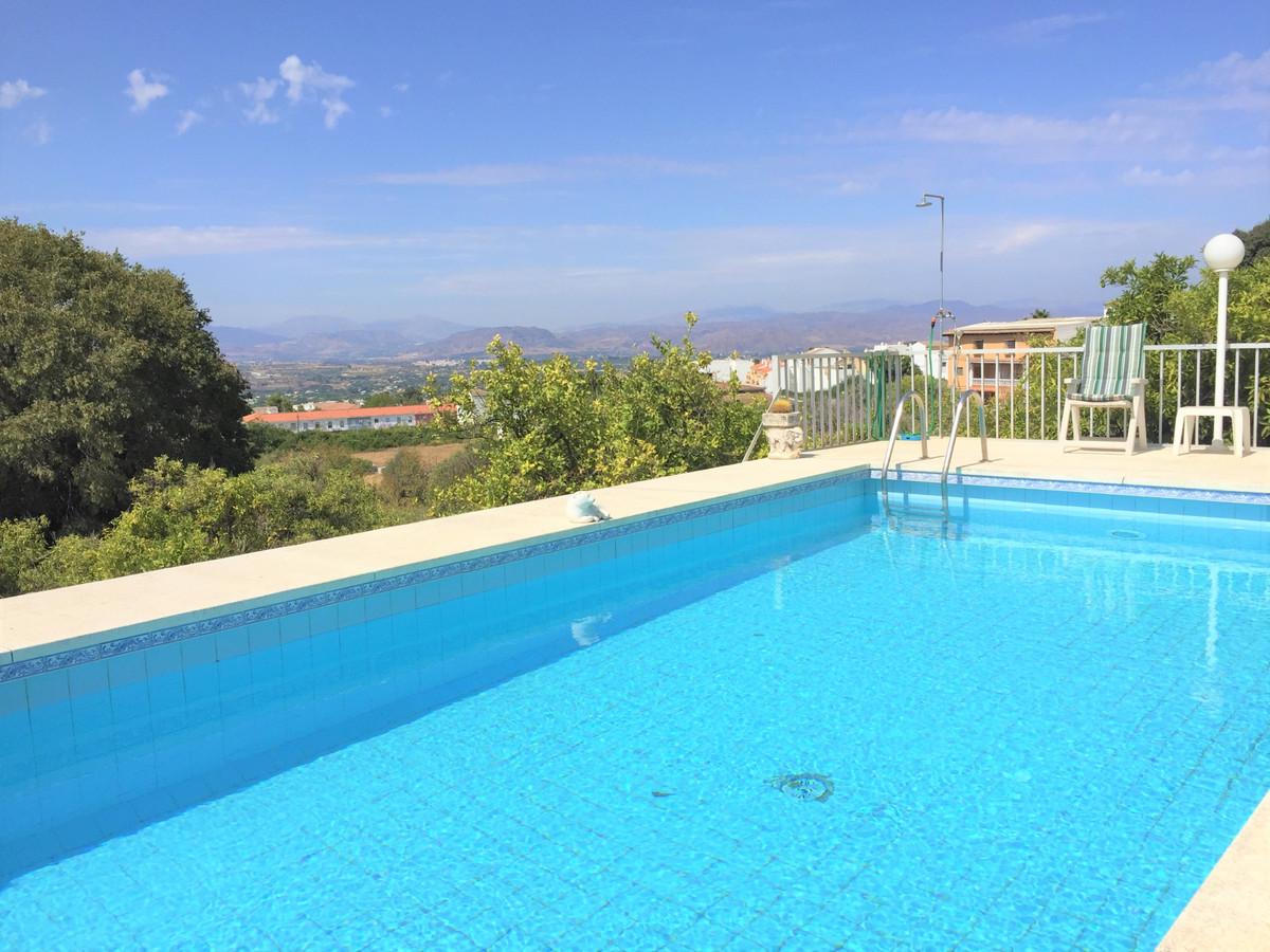 Detached Villa, Alhaurin el Grande, Costa del Sol. 2 Bedrooms, 2 Bathrooms, Built 120 m2, Terrace 80,Spain