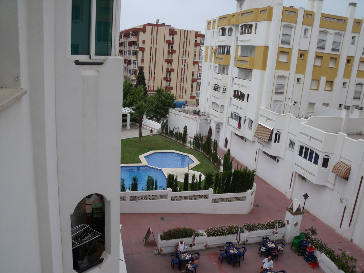 Very spacey studio apartment in the centre of Arroyo de la Miel, Benalmadena. Well maintained commun,Spain