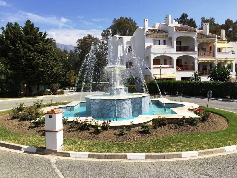 Ground Floor Apartment, Nueva Andalucia, Costa del Sol. 2 Bedrooms, 2 Bathrooms, Built 110 m², Terra,Spain