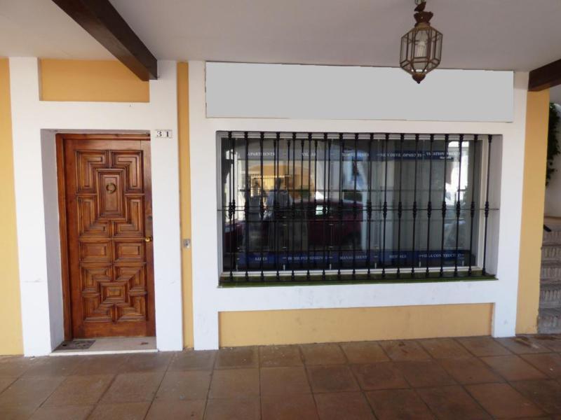 Commercial Premises - Nueva Andalucía