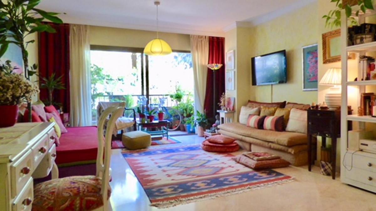 Middle Floor Apartment, Marbella, Costa del Sol. 2 Bedrooms, 2 Bathrooms, Built 110 m², Terrace 16 m,Spain