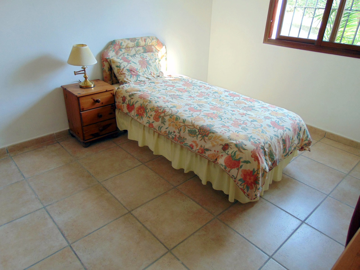 House in Alhaurín el Grande R3711326 32