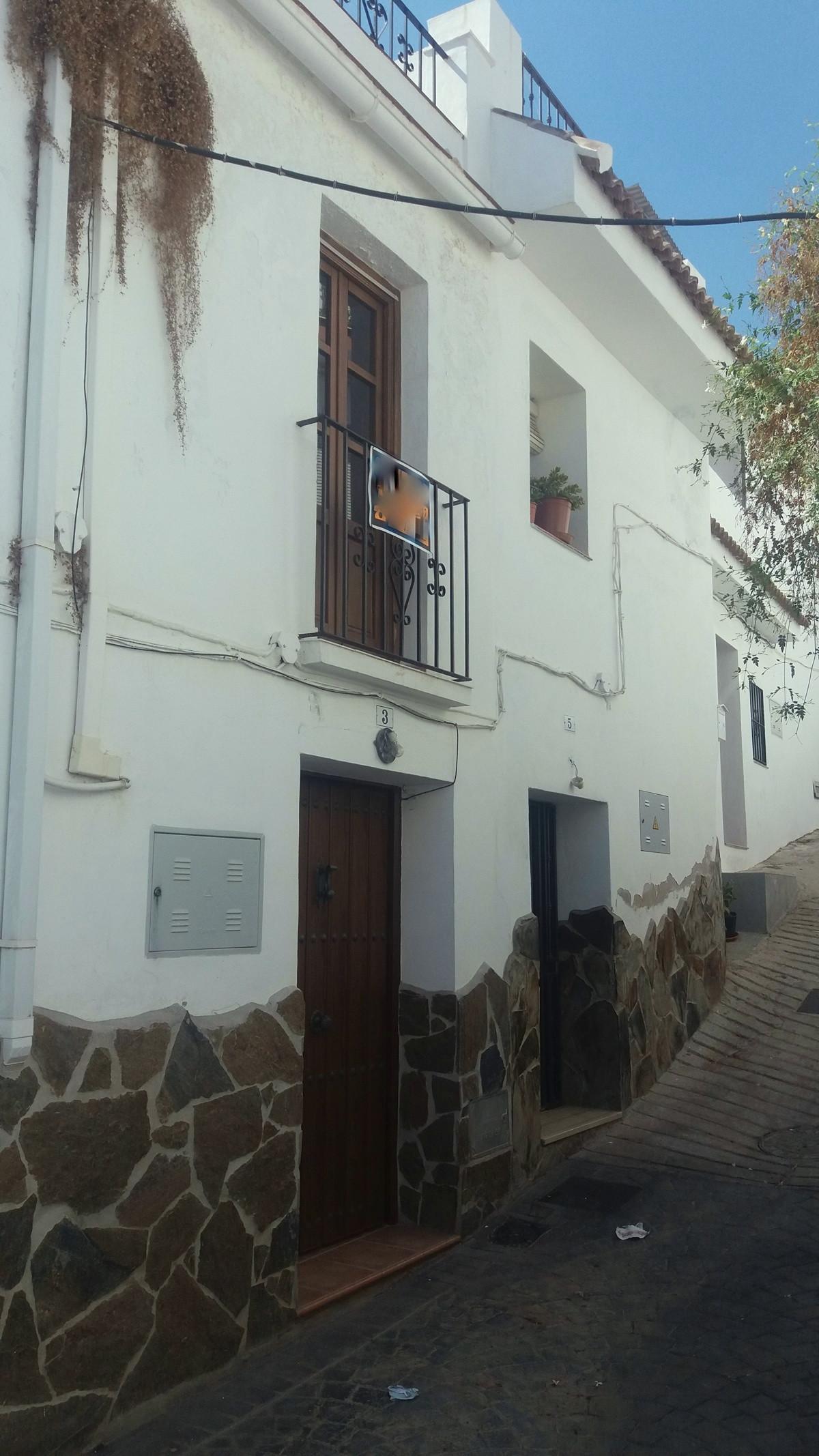 Maison Jumelée, Mitoyenne  en vente    à Guaro