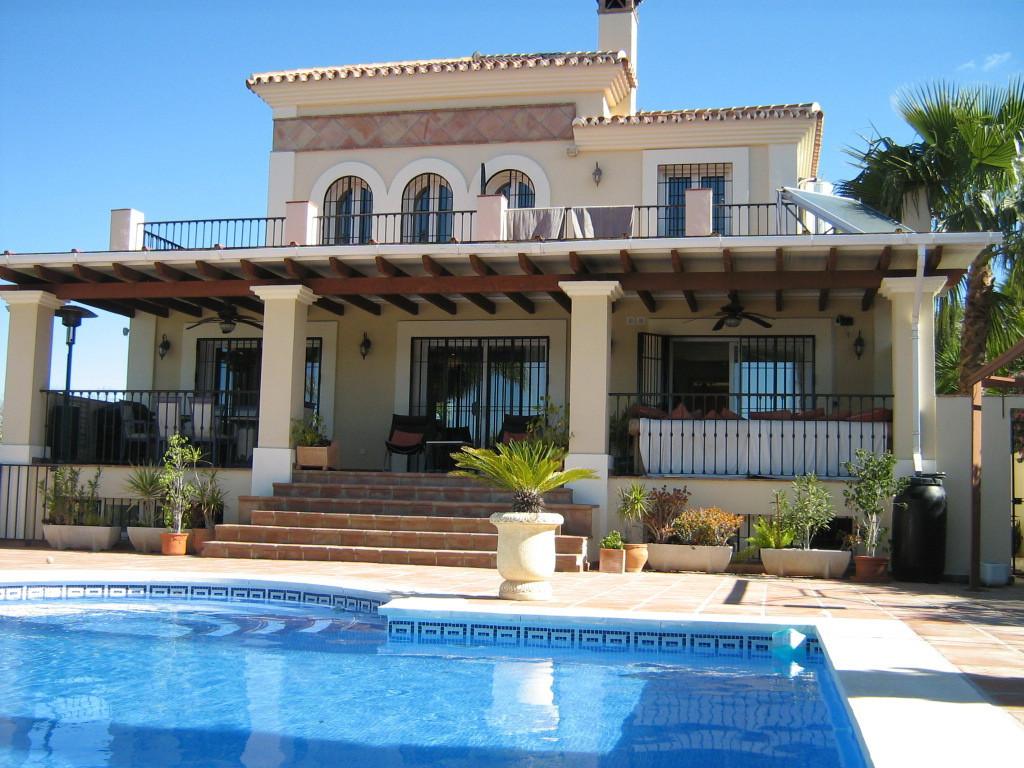 House in Alhaurín el Grande R2652968 1