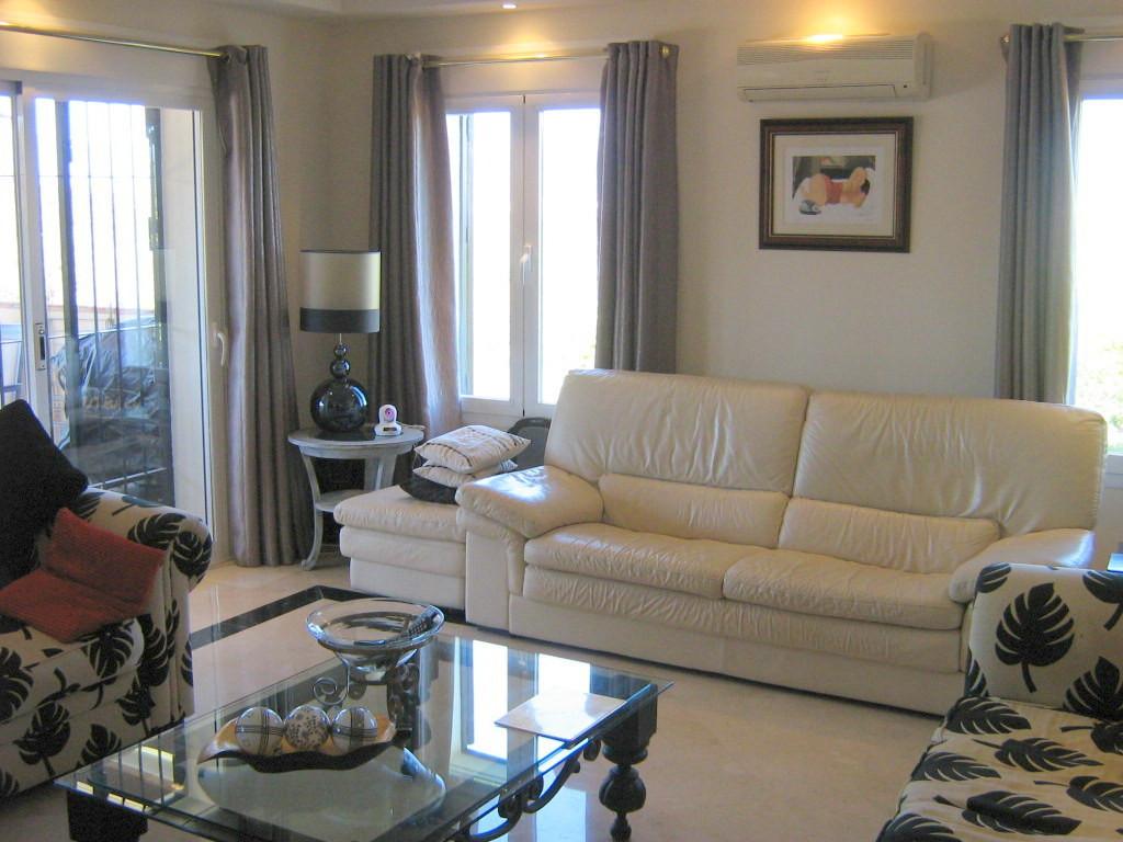 House in Alhaurín el Grande R2652968 3