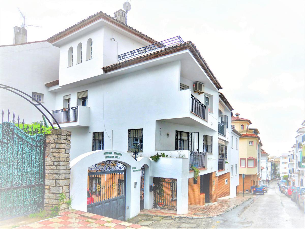 Semi-Detached House in Estepona