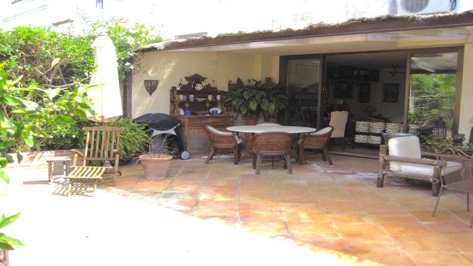 DEAL FOR A FAMILY  Townhouse , Estepona - Townhouse located in gated community facing southwest , gr,Spain