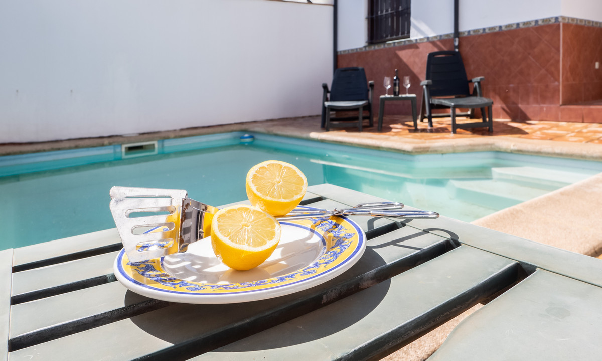 Townhouse with swimming pool in the neighborhood of San Francisco of Ronda, close to the College Fer,Spain
