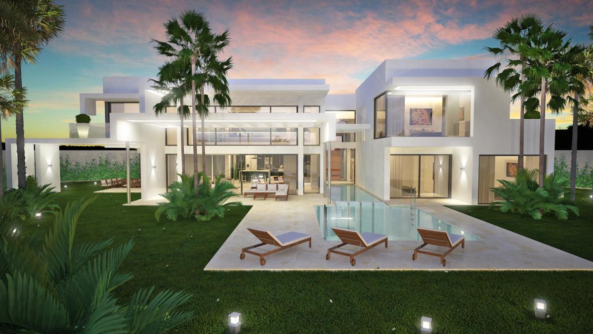 Detached Villa in Guadalmina Baja R2687972