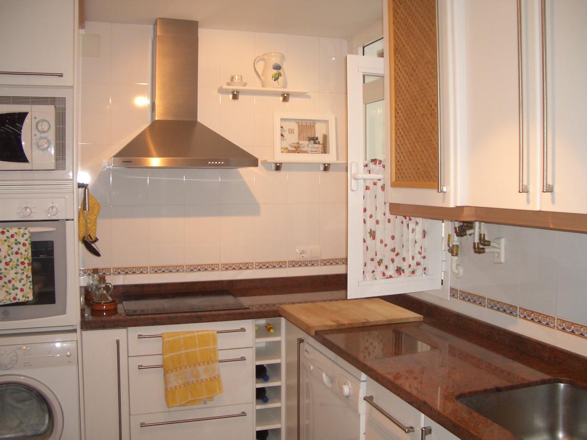 Middle Floor Apartment, Ronda, Costa del Sol. 2 Bedrooms, 1 Bathroom, Built 77 m².  Setting : Town, ,Spain