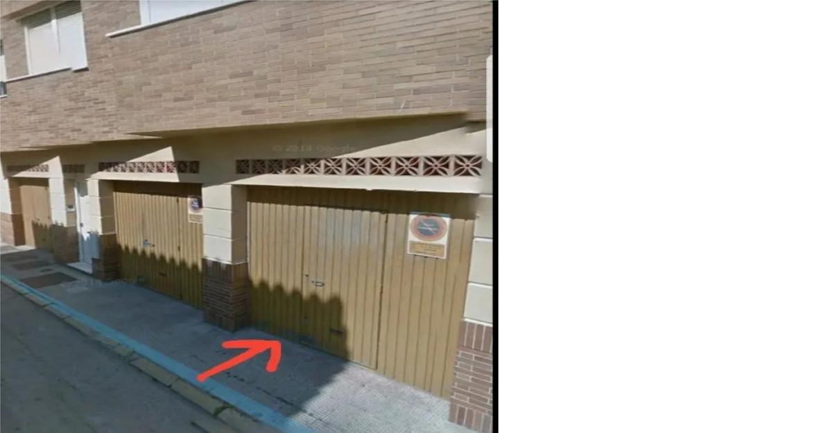 Garage, La Linea, Costa del Sol. Built 14 m².  Setting : Town, Suburban, Close To Town, Close To Sch,Spain