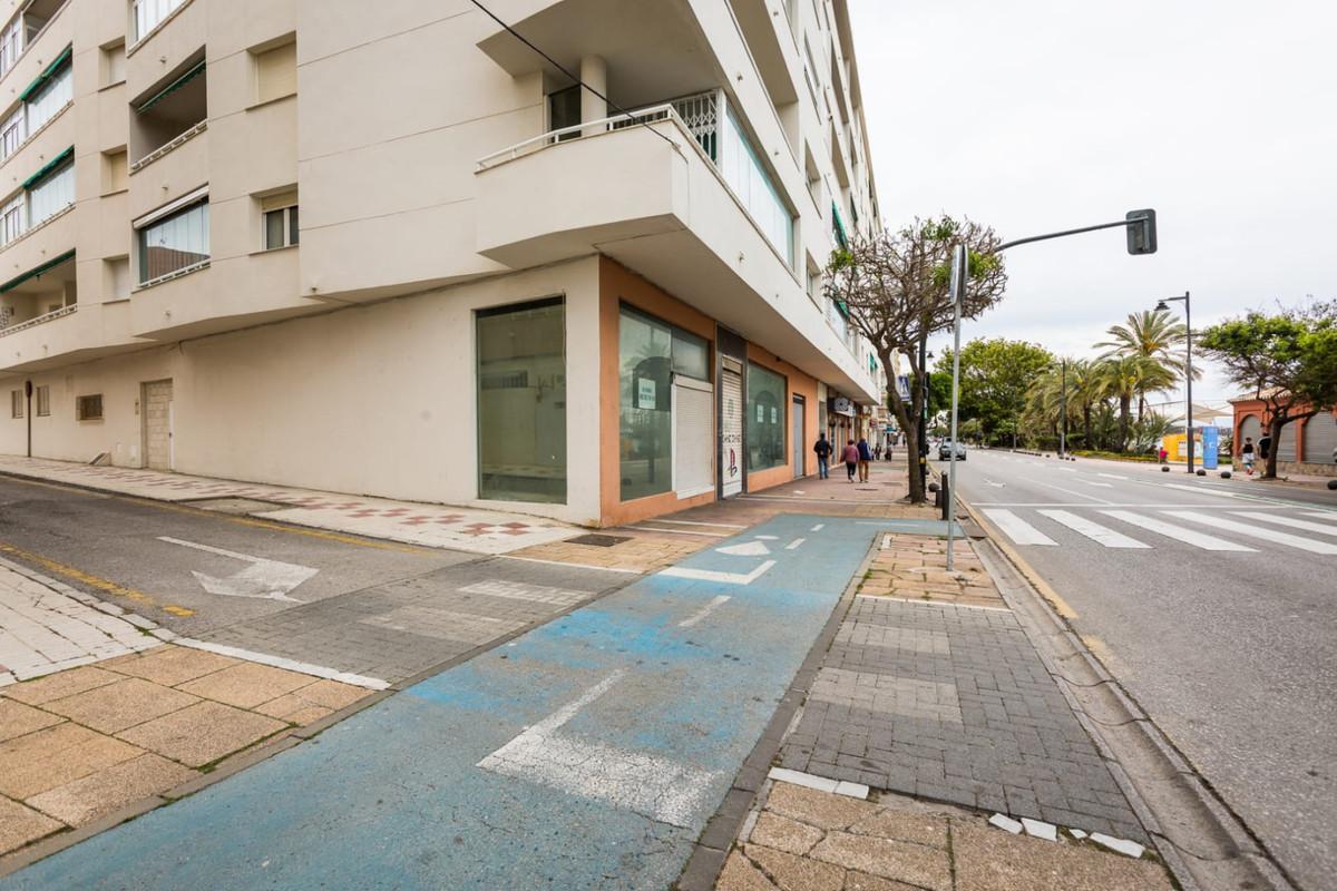 Commercial Premises for sale in Estepona R3442210