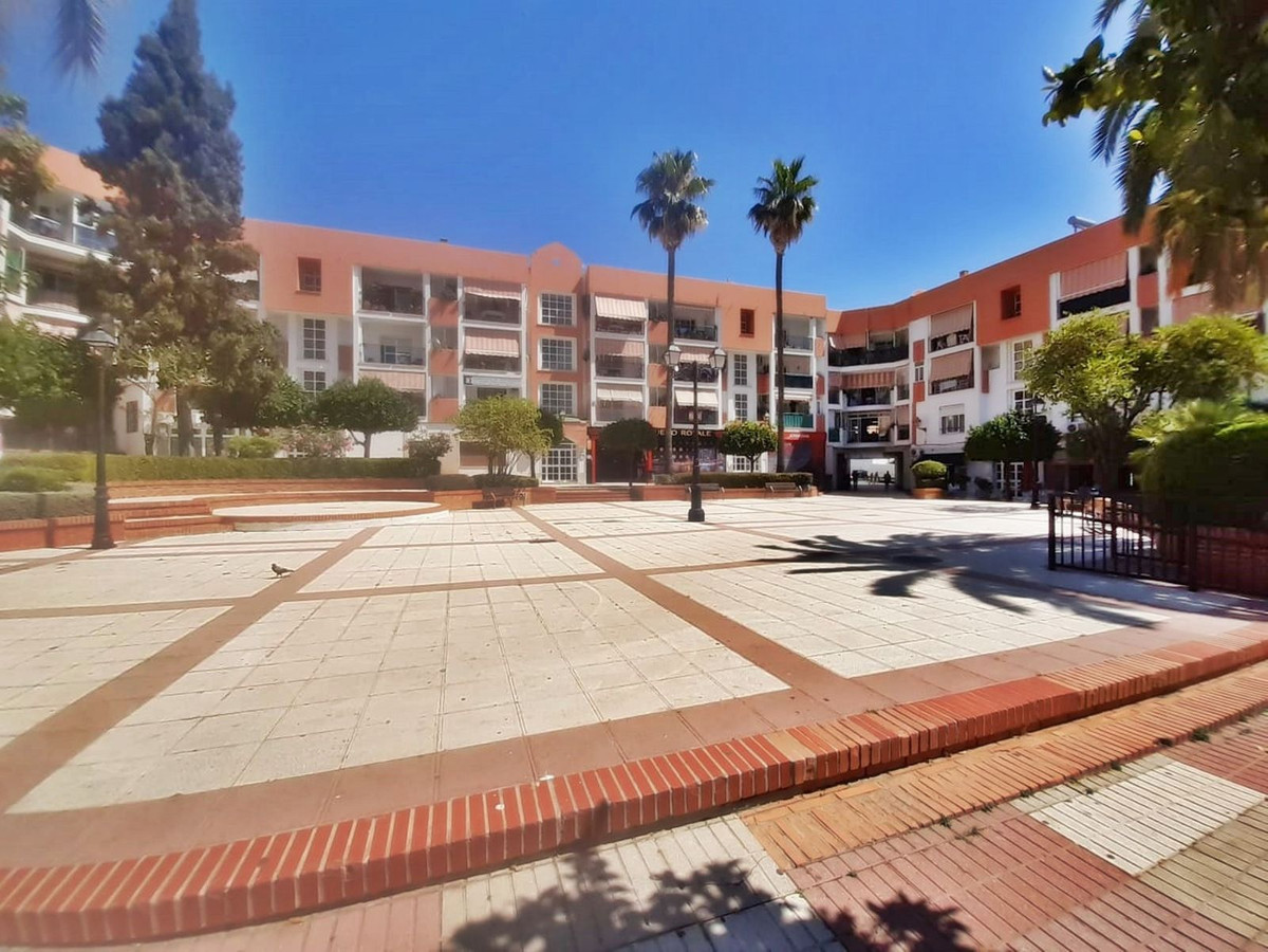 3 Bedroom Middle Floor Apartment For Sale San Pedro de Alcántara, Costa del Sol - HP3541726