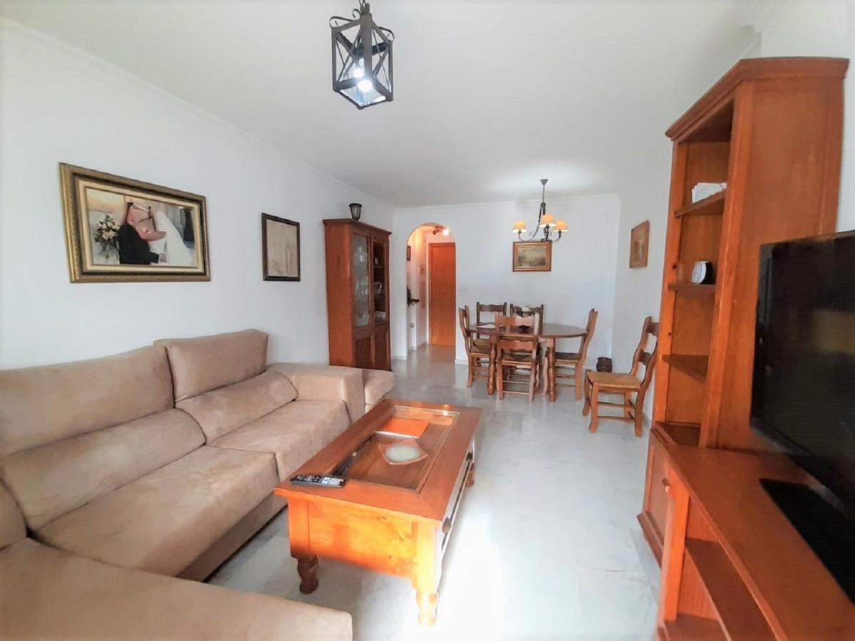 Great apartment in Fuente Nueva, San Pedro Alcantara. Near the Institute, school, shops, bars, super,Spain