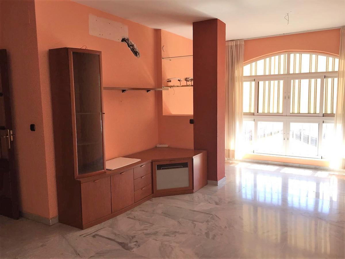 Middle Floor Apartment, Las Lagunas, Costa del Sol. 3 Bedrooms, 1 Bathroom, Built 85 m².  S,Spain