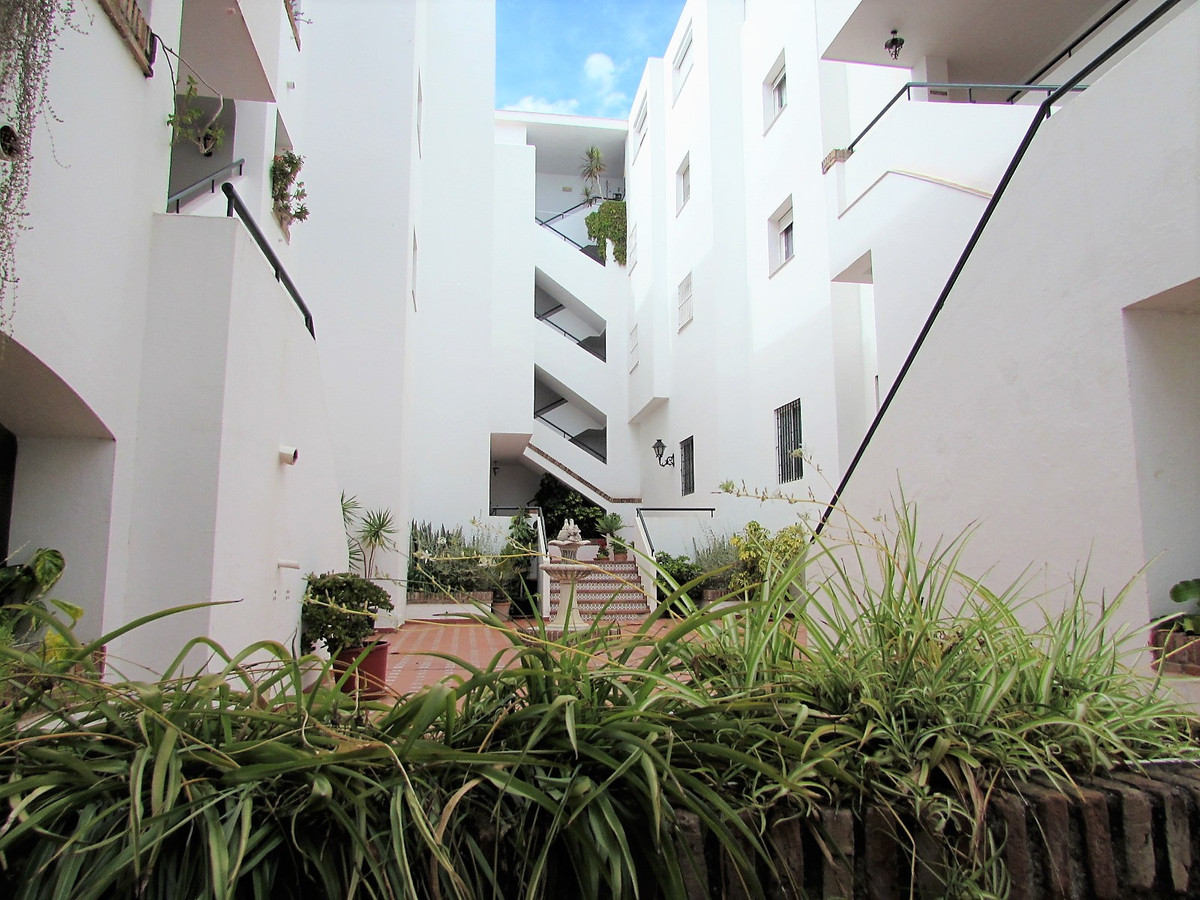 4 bedroom apartment for sale san pedro de alcantara