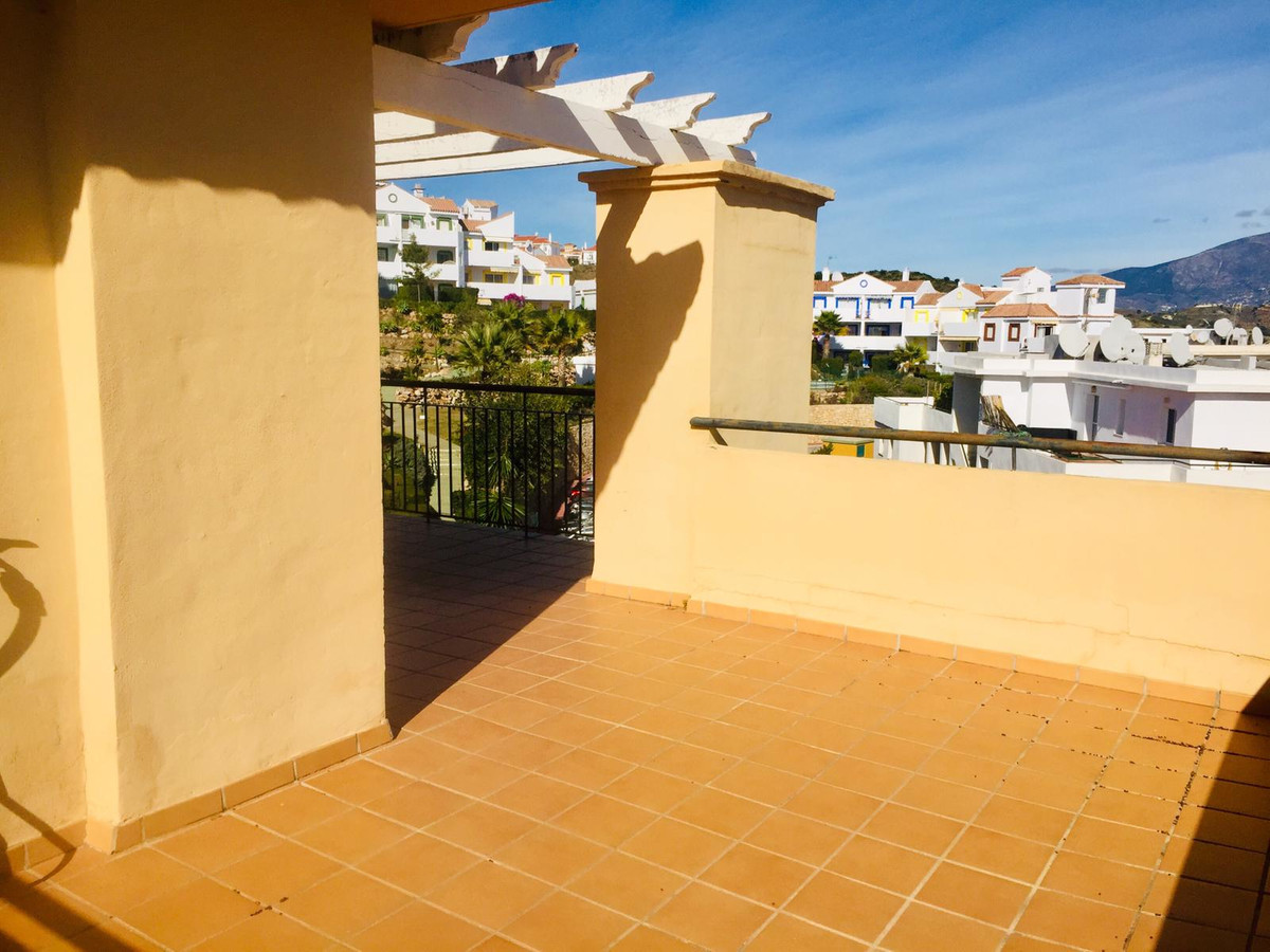 Penthouse, Calahonda, Costa del Sol. 3 Bedrooms, 2 Bathrooms, Built 184 m², Terrace 57 m&am,Spain