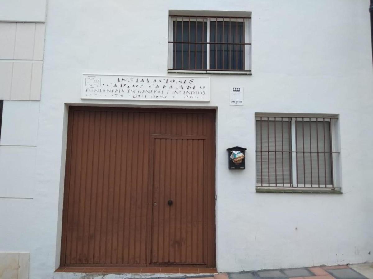 Commercial Commercial Premises in Las Lagunas, Costa del Sol