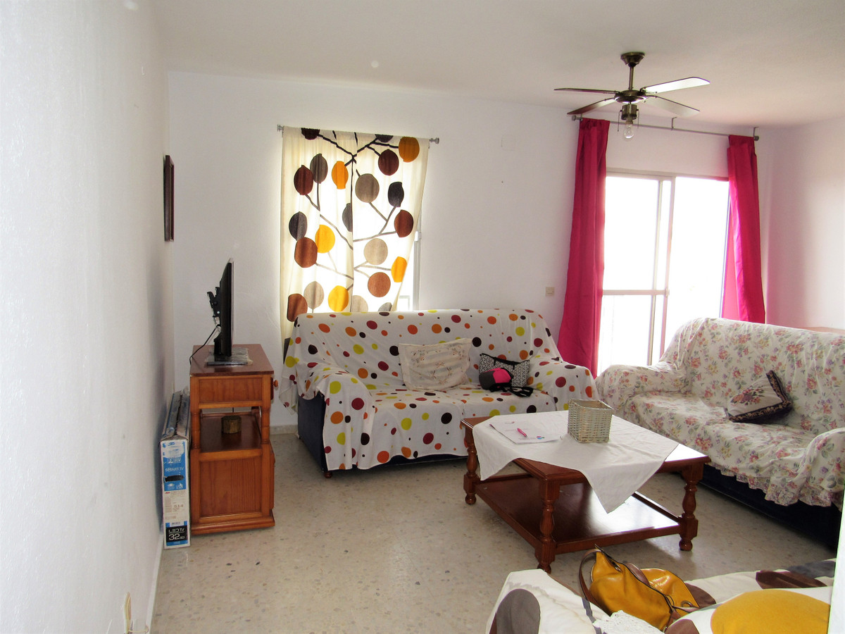 Apartment in Estepona, in area ´Selwo´. Second floor without elevator, but very bright and well dist,Spain