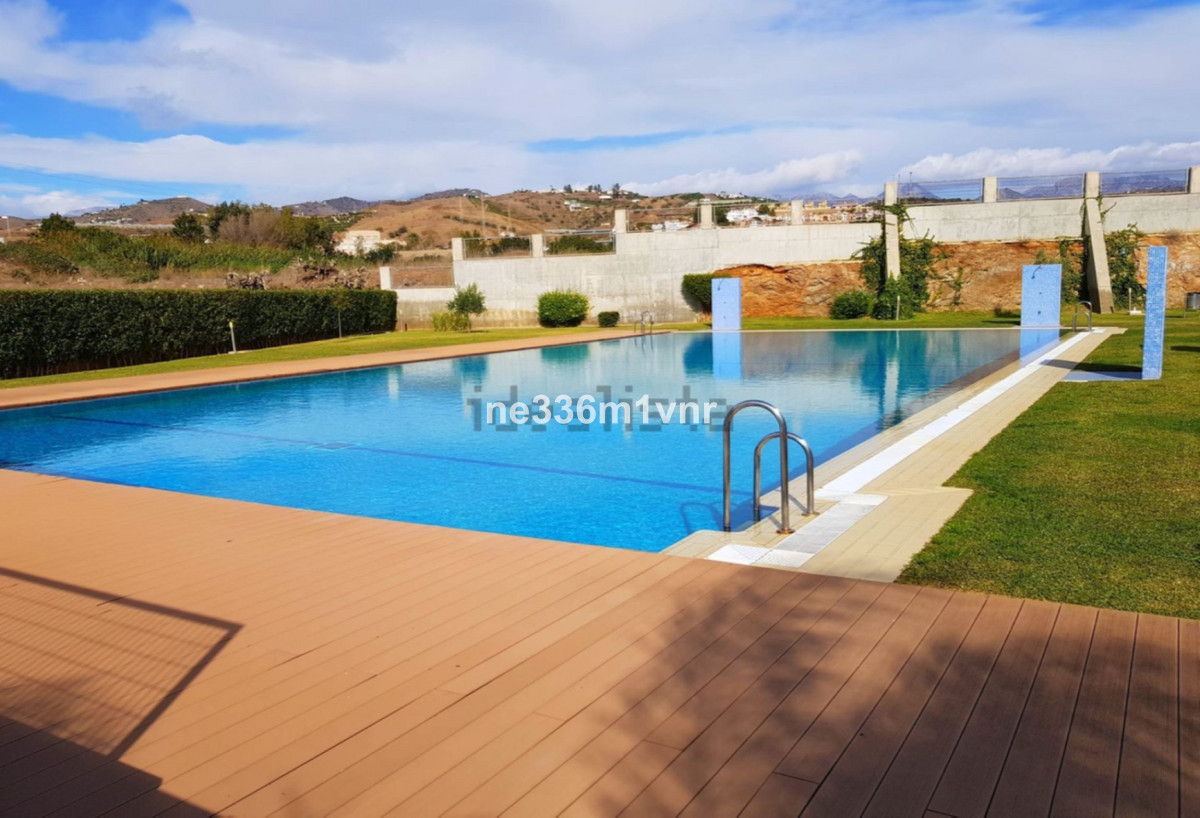 WONDERFUL FLAT ON THE COAST OF TORRROX!!  This is a property located in an urbanization.  The proper,Spain