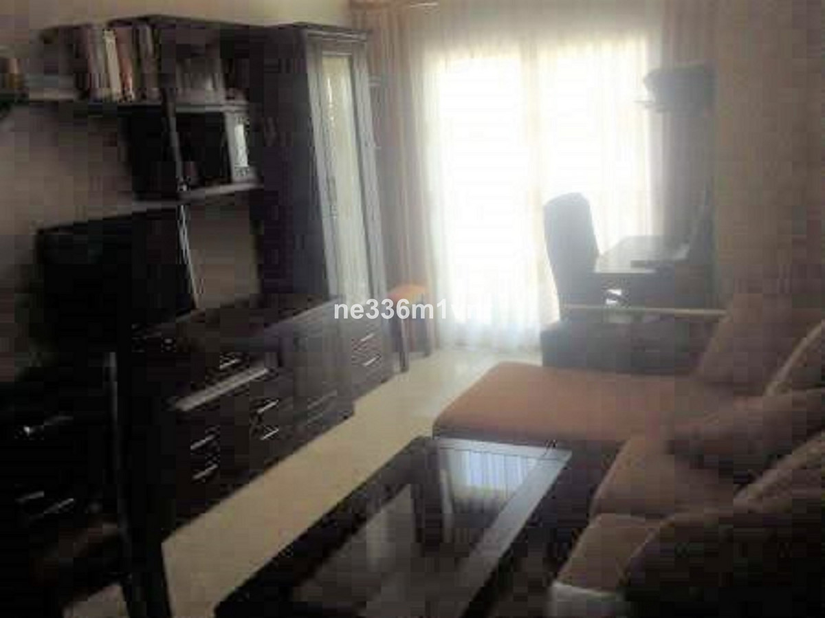 EXCELLENT REFURBISHED FLAT ONE STEP AWAY FROM CAPUCHIN SQUARE!  The property consists of 56 m2 distr,Spain
