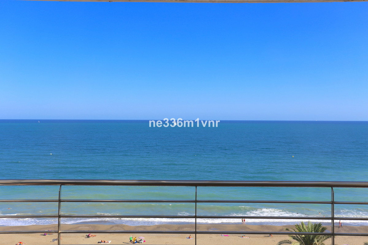 SPECTACULAR LUXURY PENTHOUSE!   The property (duplex penthouse) consists of 249 m2 distributed in 3 ,Spain