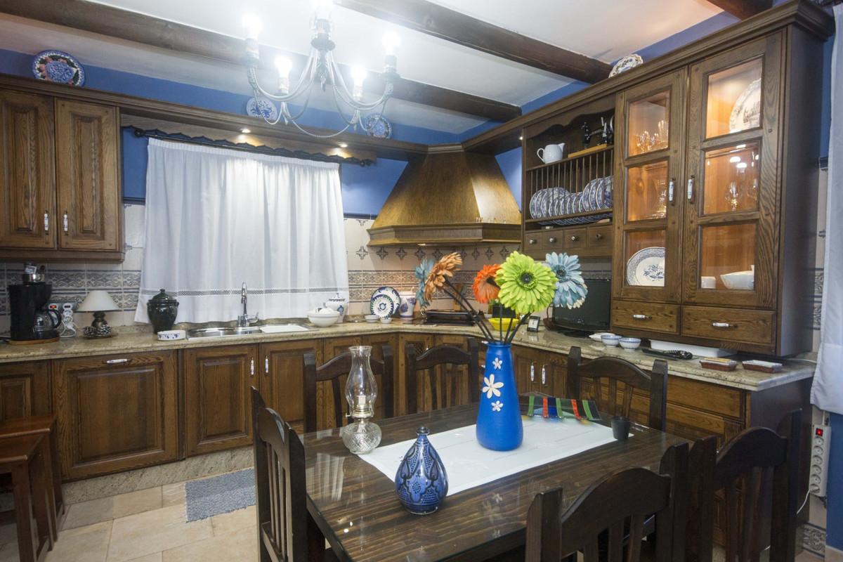 Villa con 5 Dormitorios en Venta Coín