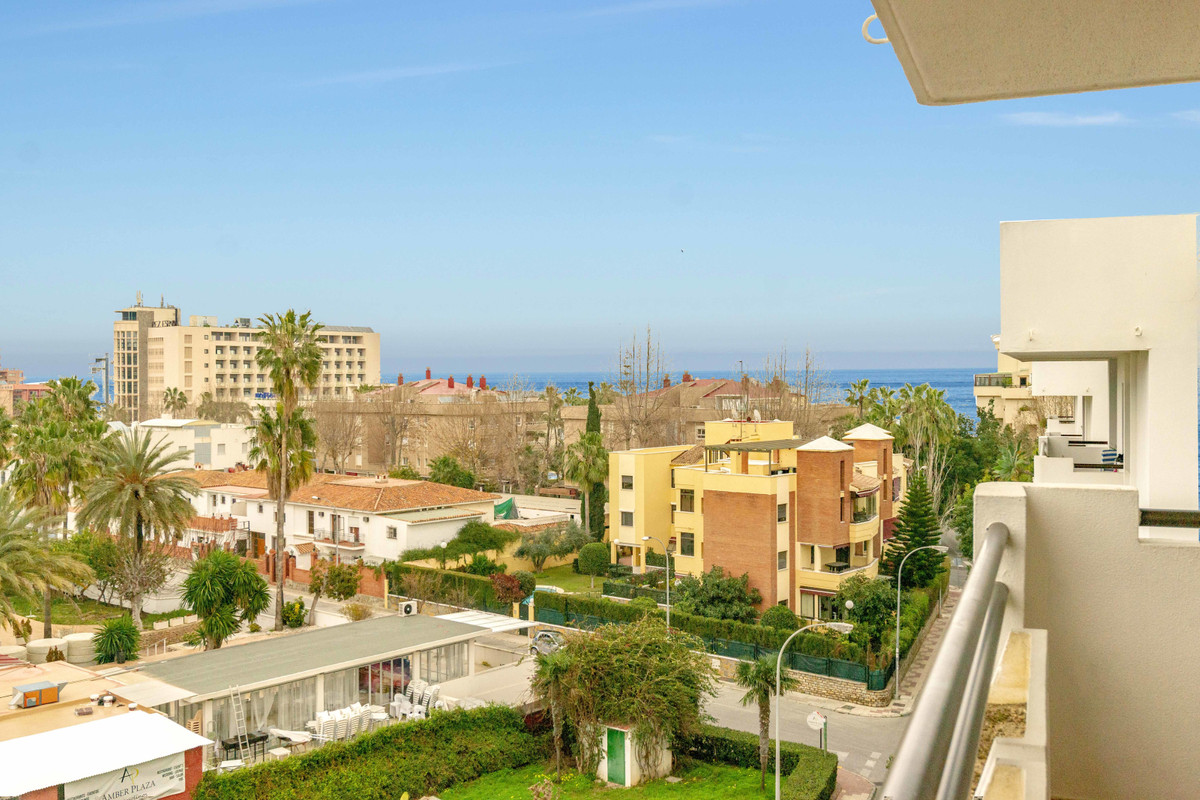 Prime located top floor apartment with panoramic sea and mountain views. This three bedroom apartmen,Spain