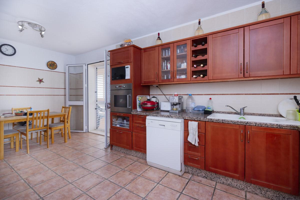 House in Alhaurín de la Torre R2734688 9
