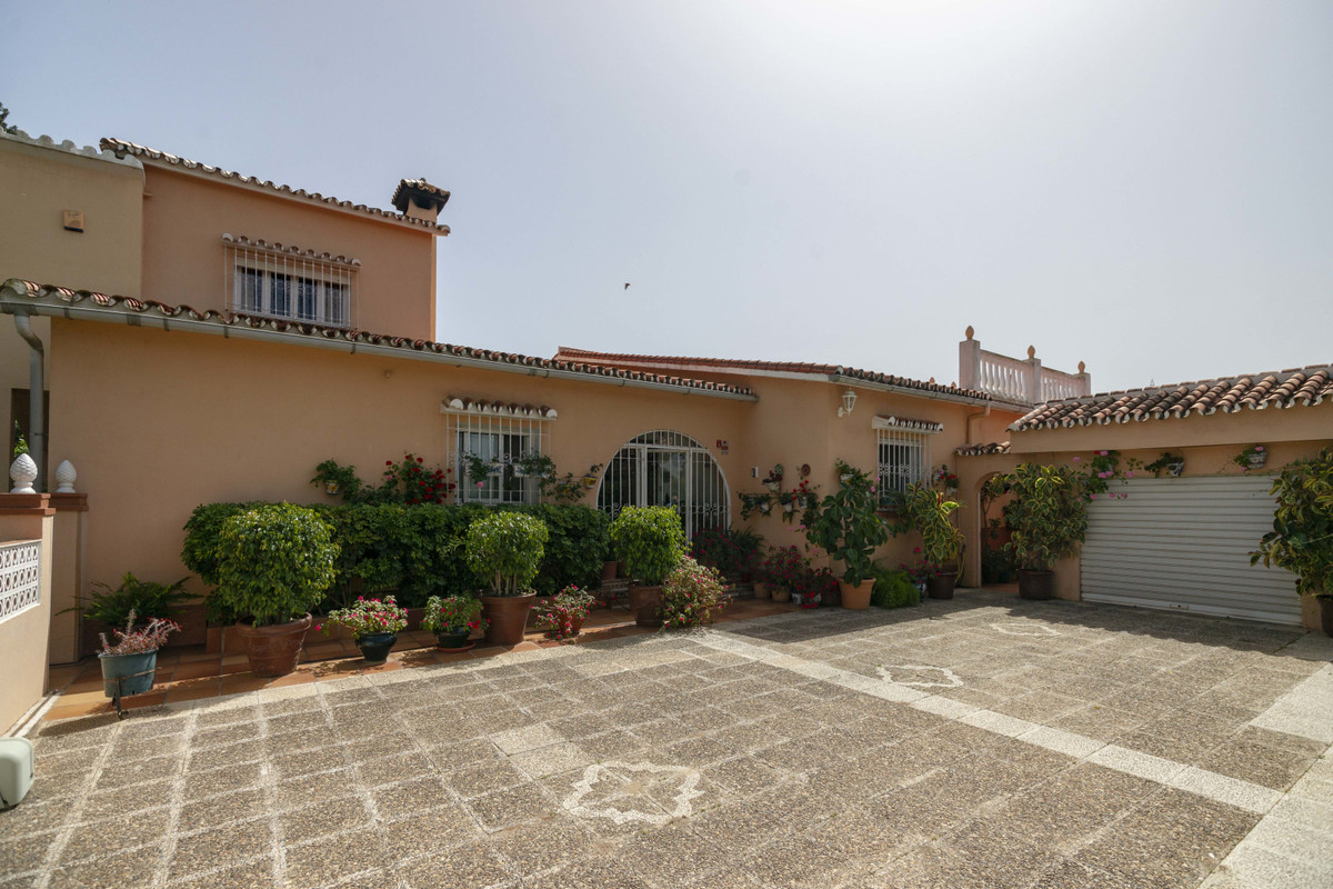 House in Alhaurín de la Torre R3398956 39