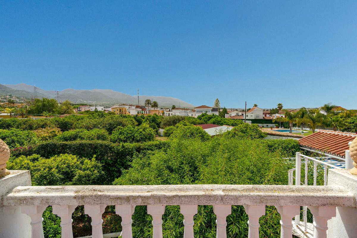 House in Alhaurín de la Torre R3398956 42