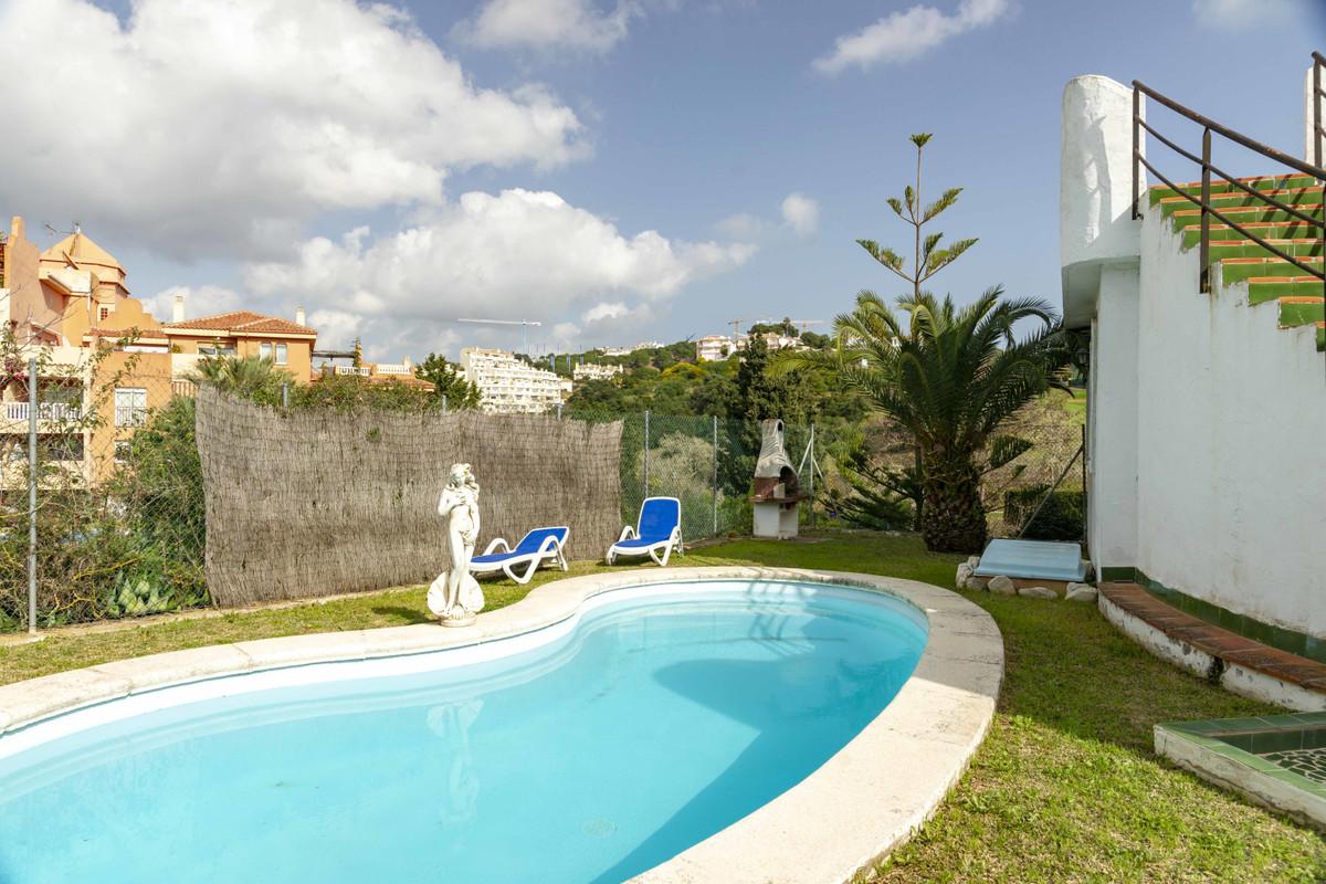 Detached Villa, Marbella, Costa del Sol. 4 Bedrooms, 4 Bathrooms, Built 155 m², Terrace 44 m², Garde,Spain